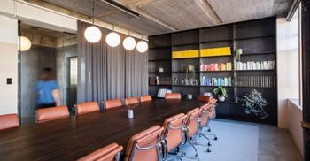 办公楼装修设计打造有温暖与灵活共存空间